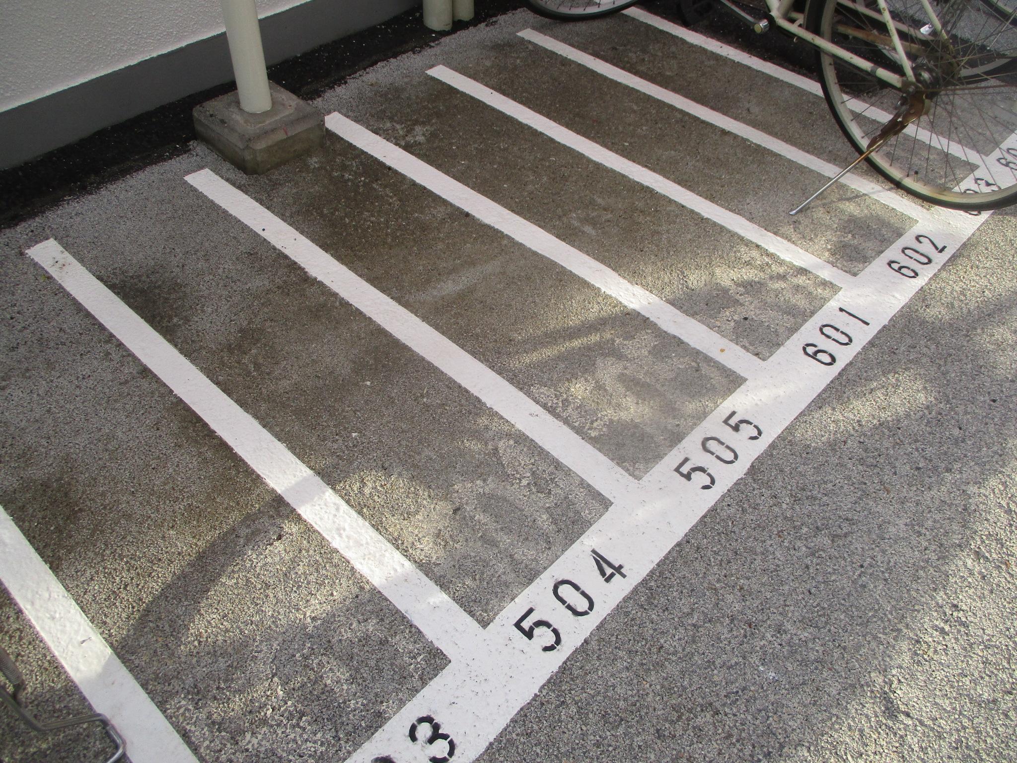 追加工事 駐輪場白線引き
