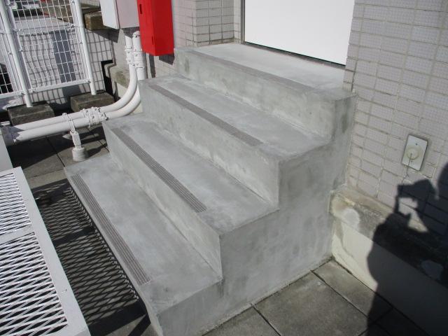 階段床面 補修後